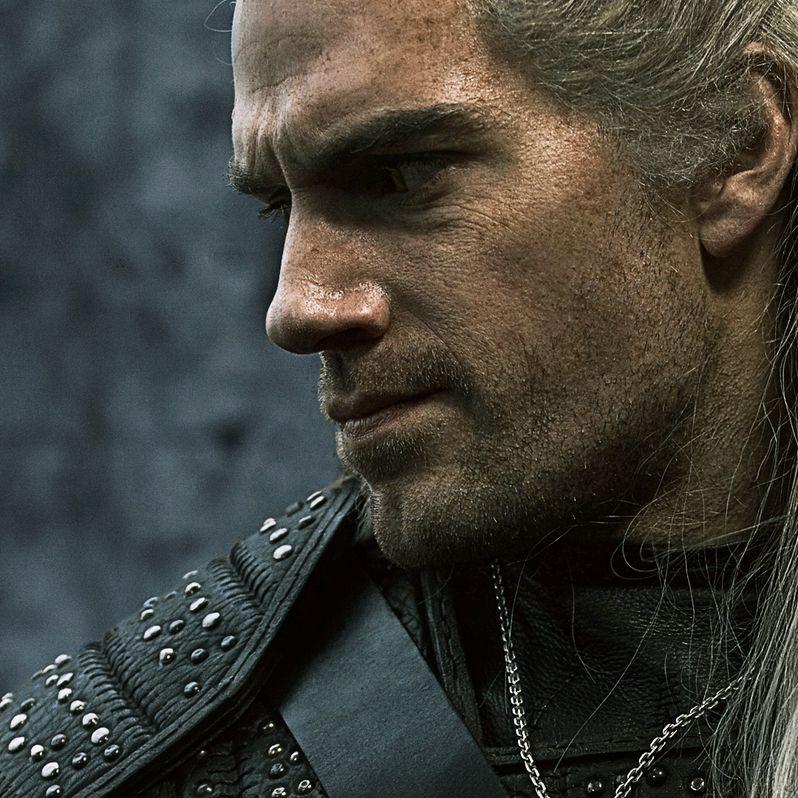 <strong><em>The Witcher</em></strong> Henry Cavill Geralt portrait