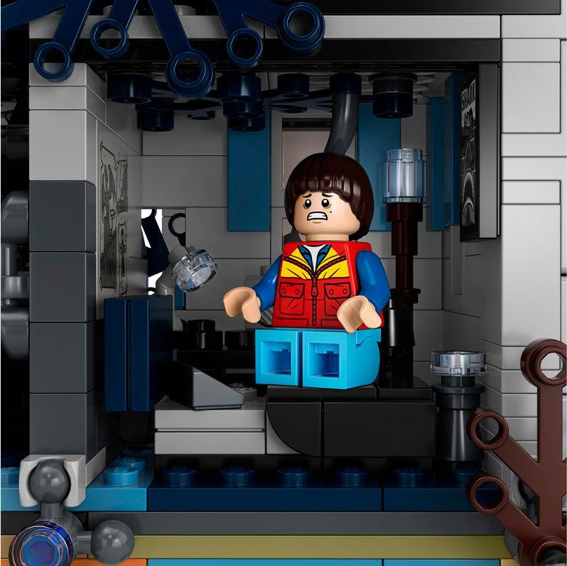 <strong><em>Stranger Things</em></strong> LEGO set The Upside Down #8