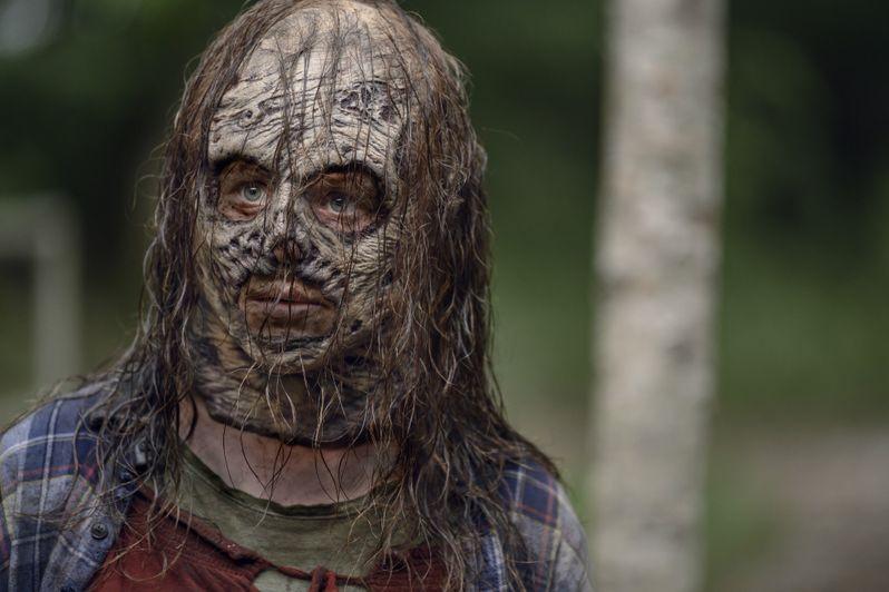 <strong><em>The Walking Dead</em></strong> Season 10 Photo Thora Birch as Gamma #1