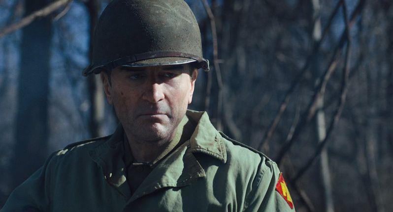 """Young Robert De Niro de-aged in <strong><em>The Irishman</em></strong>""""></picture></figure> </p> <p><figure class="""