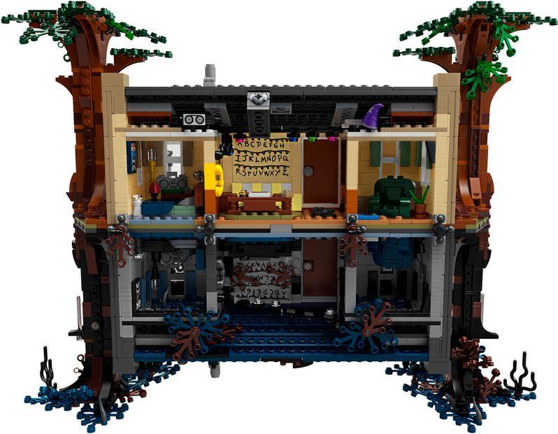 <strong><em>Stranger Things</em></strong> LEGO set The Upside Down #11