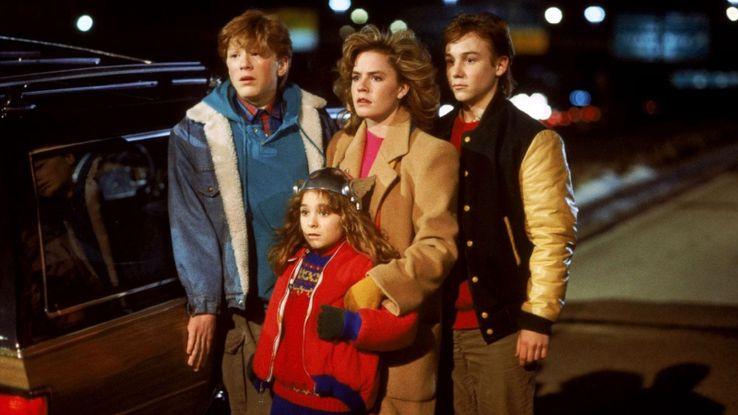 Uma Noite De Aventuras - Adventures in Babysitting (1987)