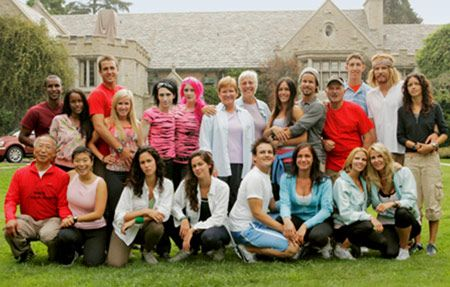 CBS Announces the 11 Teams Set to Compete in <strong><em>The Amazing Race</em></strong> 12