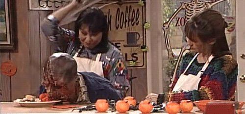 <strong><em>Roseanne</em></strong> Halloween V