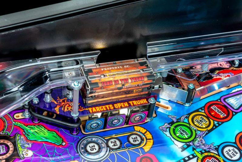 Elvira's House of Horrors Pinball machine by Stern #1