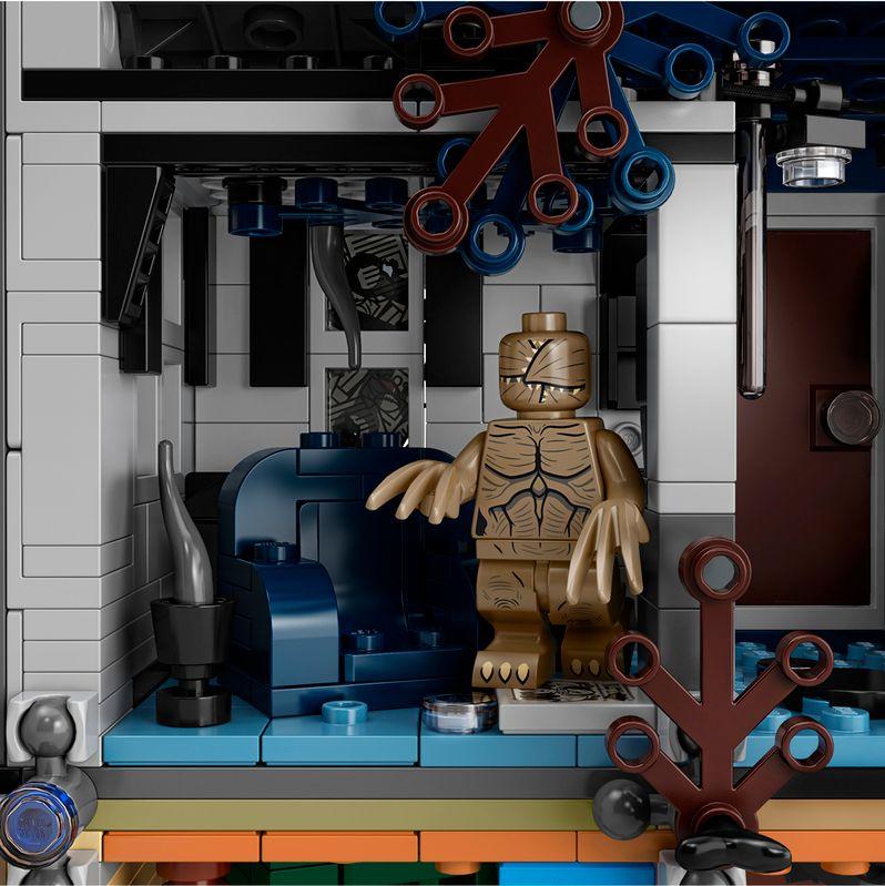 <strong><em>Stranger Things</em></strong> LEGO set The Upside Down #6