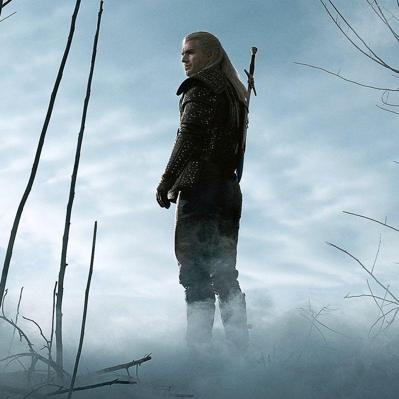 <strong><em>The Witcher</em></strong> Henry Cavill Geralt photo