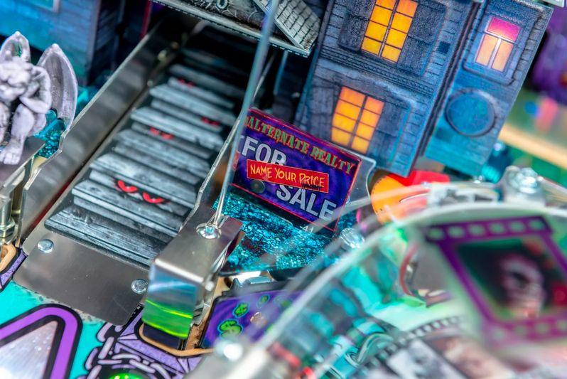 Elvira's House of Horrors Pinball machine by Stern #4