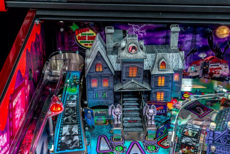 Elvira's House of Horrors Pinball machine by Stern #10
