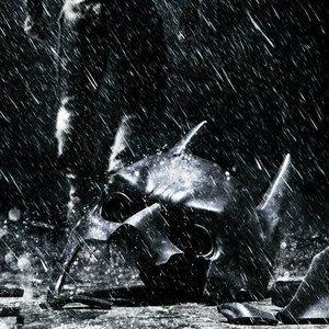 The Dark Knight Rises Anne Hathaway Set Photos