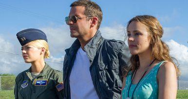 Aloha: Watch First 8 Minutes Starring Bradley Cooper & Emma Stone
