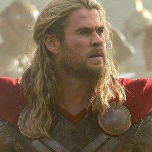 Thor: The Dark World Clip 'Going Into Battle'