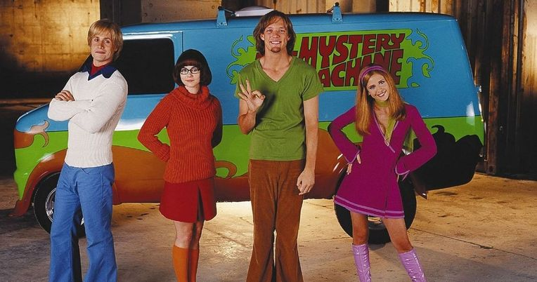 Scooby-Doo Mystery Machine Leads Police on a High Speed Chase