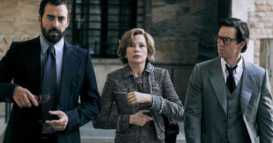 All the Money in the World Review: Ridley Scott Takes It to the Bank