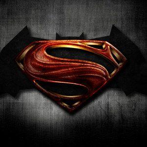 Batman Vs. Superman 4-Minute Football Game Set Video!