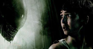 Katherine Waterston Wants to Do Alien: Awakening, But Disney Probably Doesn't