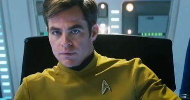 Pine Impersonates Shatner in Hilarious Star Trek Beyond Bloopers