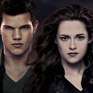 The Twilight Saga: Breaking Dawn - Part 2 Epic Finale Poster