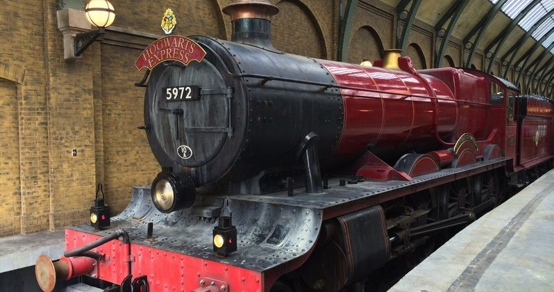 Real-Life Hogwarts Express Train Rescues Family in Scotland