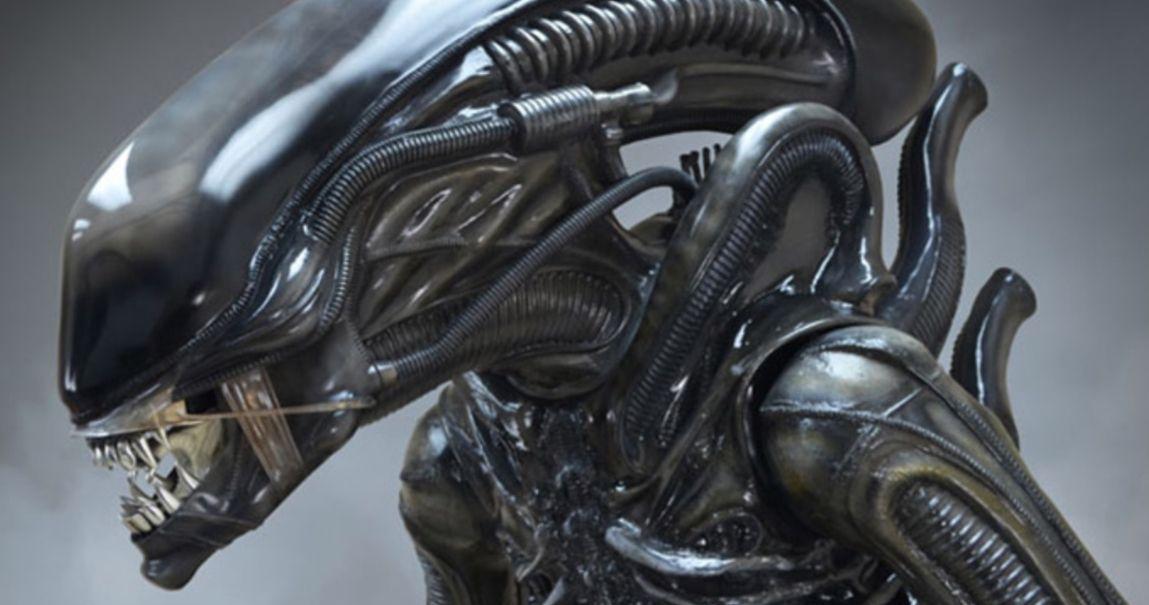 TECHNIC MOC 27578 Alien Xenomorph by buildbetterbricks