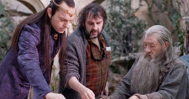 Mortal Engines Reunites Hugo Weaving with Peter Jackson