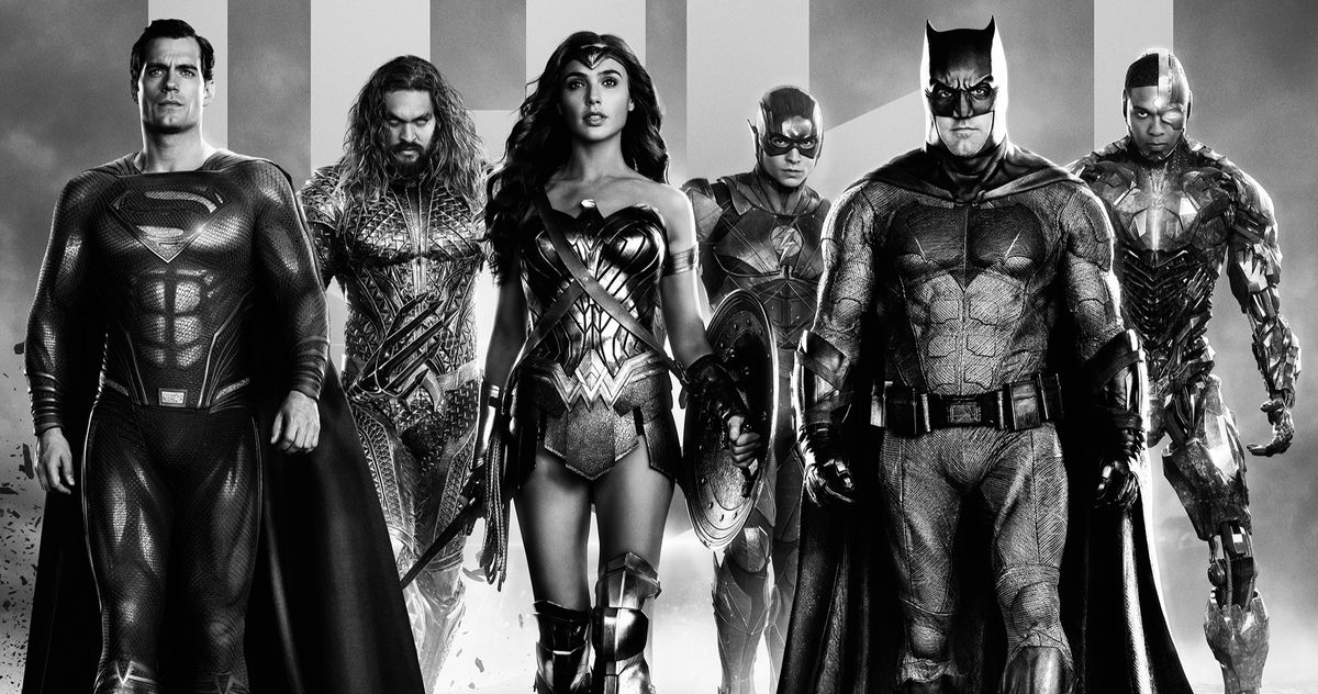 Плакаты Зака Снайдера из фильма «Лига справедливости» собирают команду супергероев DC в черно-белом цвете