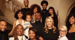 Eddie Murphy Poses for Rare Christmas Photo with All 10 of His Kids