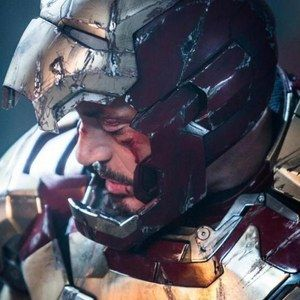 Iron Man 3 Photo Reveals a Battle Damaged Tony Stark