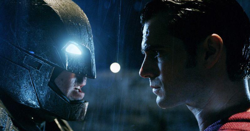 Batman v Superman U.K. Synopsis & New Toys Tease an Epic Fight