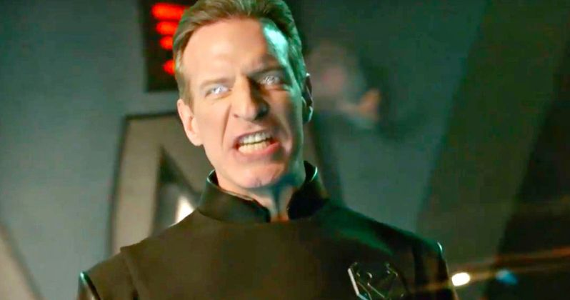 General Zod Arrives in Supergirl Season 2 Finale Trailer