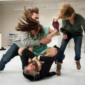 The Possession Photo with Jeffrey Dean Morgan, Kyra Sedgwick and Madison Davenport