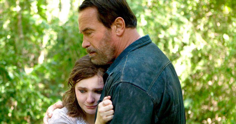 Maggie Clip: Schwarzenegger Comforts His Zombie Daughter