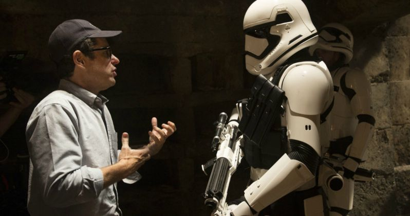 New Force Awakens Photos, Abrams Talks Star Wars 8 Connection