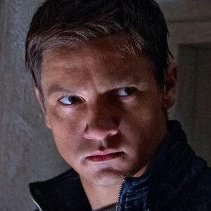 BOX OFFICE PREDICTIONS: Will The Bourne Legacy Dethrone The Dark Knight Rises?