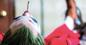 New Joker Photo Has the Clown Prince of Crime Taking a Smoke Break