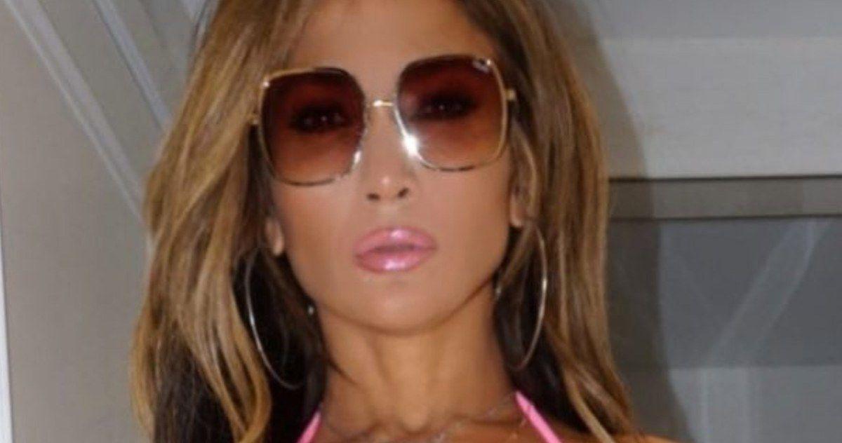 First Look at Jennifer Lopez in Stripper Crime Thriller Hustlers