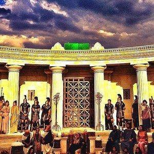 Hercules Set Photo Reveals Athens Coliseum and Its Warriors