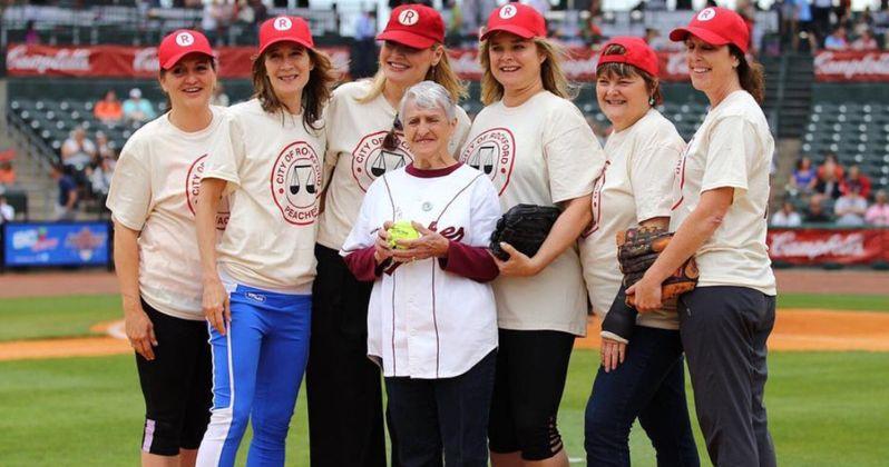 A League of Their Own Cast Reunite to Play Softball