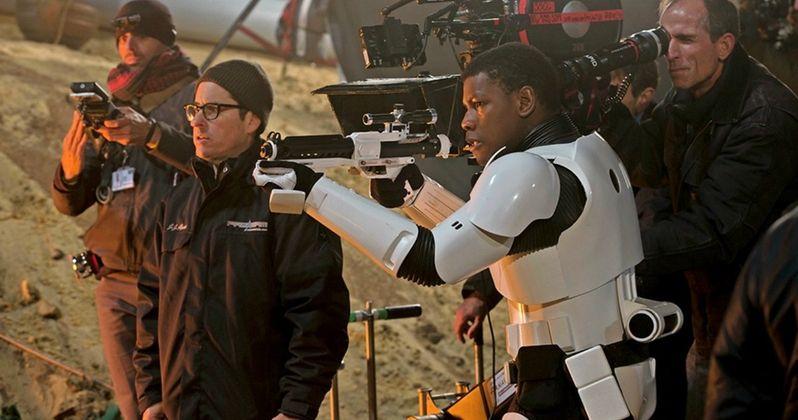 Star Wars 7 Photos Go Behind-the-Scenes with Finn & BB-8