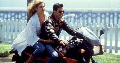 Top Gun 2 First Look Has Tom Cruise & Jennifer Connelly Recreating an Iconic Scene