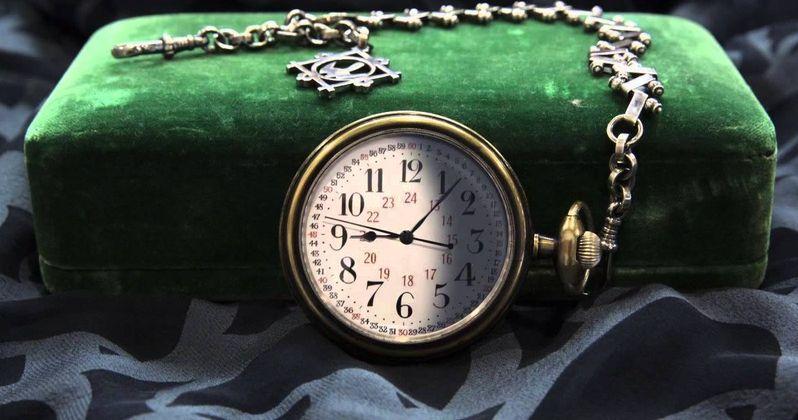 Tim Burton's Miss Peregrine Teaser Celebrates Loop Day