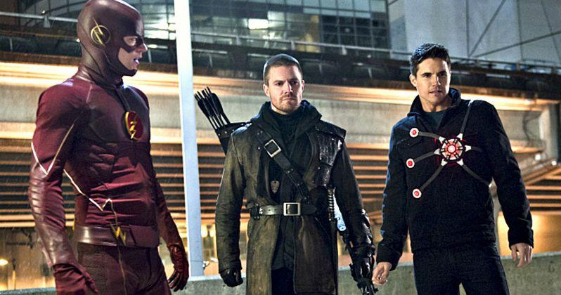 The Flash, Arrow & Firestorm Unite in New Photos