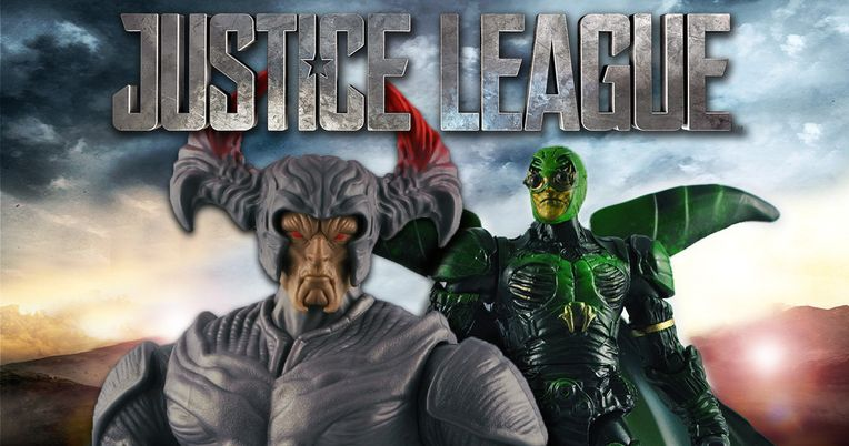 Justice League Unboxing Video Reveals Cool New DC Toys