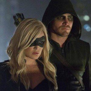 Over 20 New Arrow Season 2 Photos with Caity Lotz as Black Canary