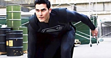 Elseworlds Trailer Gives Superman His Black Suit and Breaks Reality