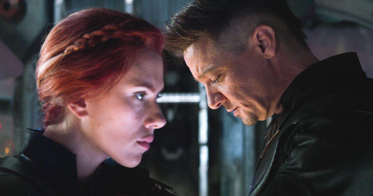 Black Widow Hawkeye Share An Emotional Moment In Avengers
