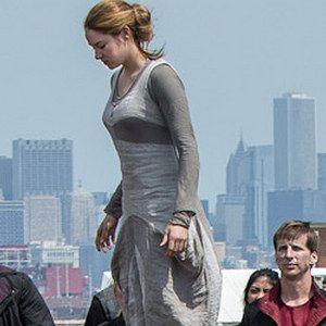 Shailene Woodley Gets Initiated in Latest Divergent Photo