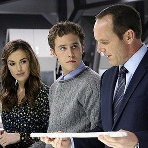 New Marvel's Agents of S.H.I.E.L.D. Clip Teases Fallout from Thor: The Dark World