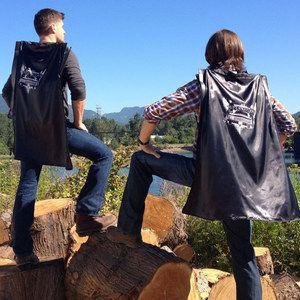 COMIC-CON 2013: Jared Padalecki and Jensen Ackles Model the Supernatural Caped Backpack