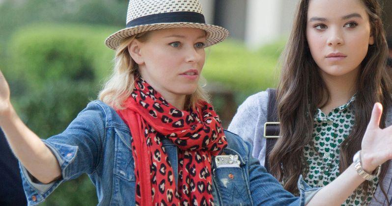 Elizabeth Banks May Direct Red Queen YA Fantasy Adaptation